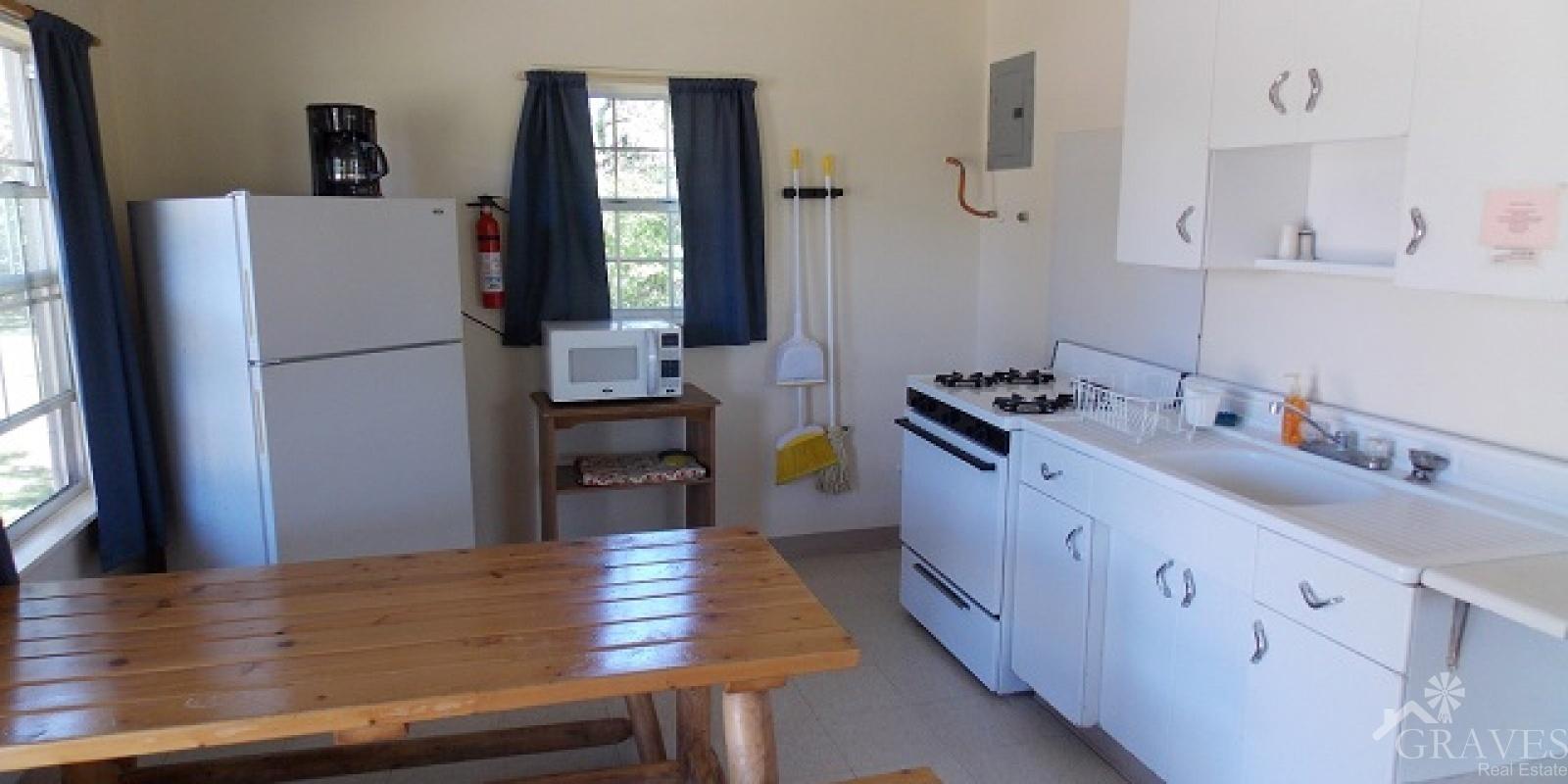 Uvalde,Texas 78801,19 BathroomsBathrooms,Commercial,1044
